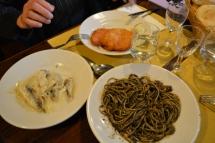 Ai Bisatei- sardines in saor et spaghetti al nero di sepie