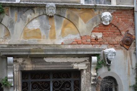 têtes- Santa Croce