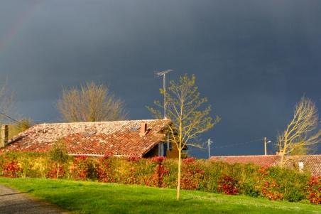 ciel d'orage place du Puits Clos