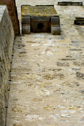 18mai2016_01_Château Gramont-latrines