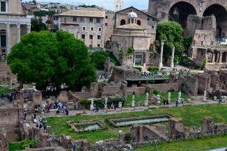 Forum Romain-temple de Vesta